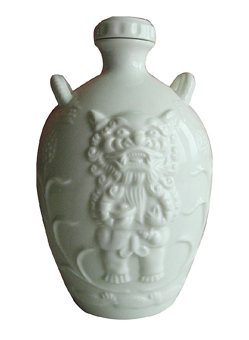 乳白陶瓷酒瓶